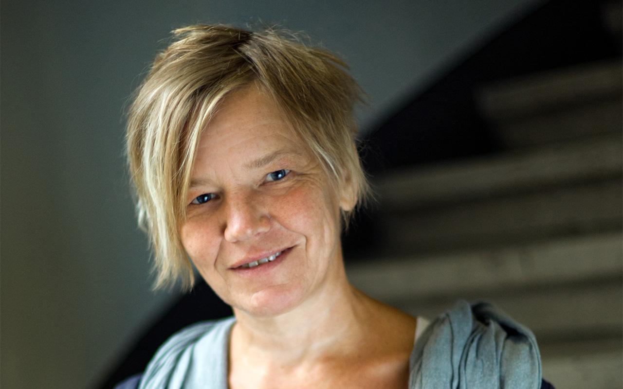 Portraitfoto von Edda Gruenberger_Psychotherapeutin_©ElisaUnger_01